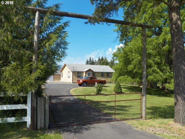 6112 NW 209TH St, Ridgefield, WA 98642 (MLS #18157472) :: Hatch Homes Group