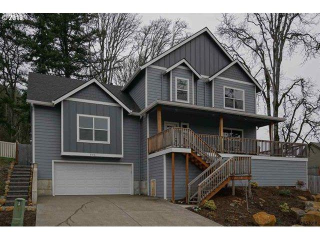 806 Pioneer Dr, Silverton, OR 97381 (MLS #18159406) :: Hatch Homes Group