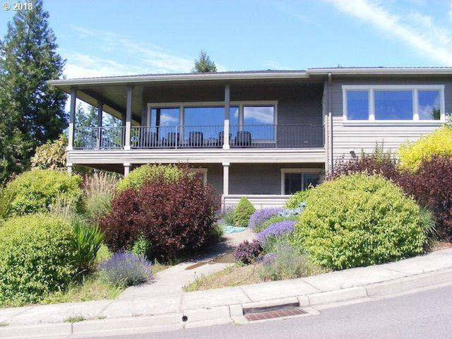 165 Wetleau Dr, Lowell, OR 97452 (MLS #18159421) :: Song Real Estate