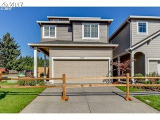 33268 SW Havlik Dr, Scappoose, OR 97056 (MLS #18161636) :: Next Home Realty Connection