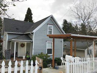 1895 Buck St, West Linn, OR 97068 (MLS #18165518) :: Next Home Realty Connection