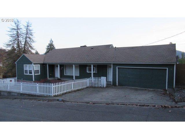 1135 NE Beulah Dr, Roseburg, OR 97470 (MLS #18171946) :: Townsend Jarvis Group Real Estate