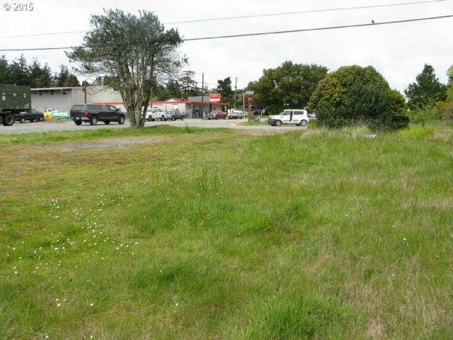 19th St, Port Orford, OR 97465 (MLS #18177036) :: Realty Edge