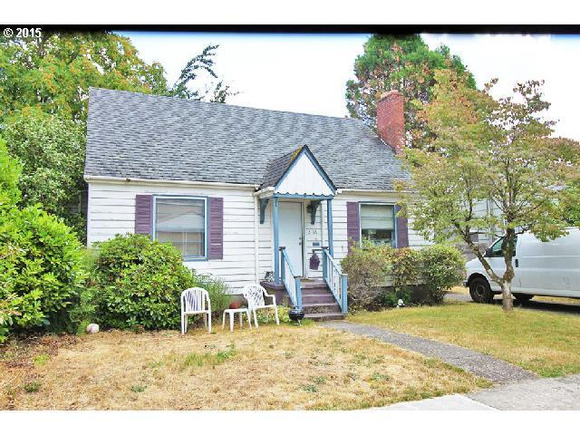 3116 SE 66TH Ave, Portland, OR 97206 (MLS #18177569) :: The Sadle Home Selling Team