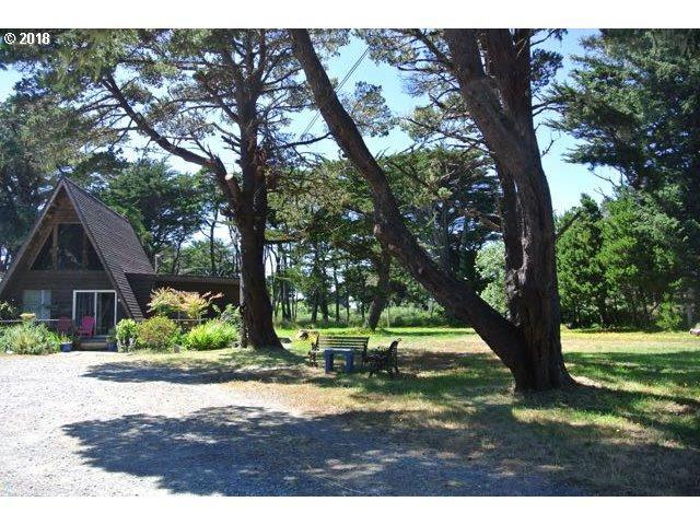87152 Jupiter Ln, Bandon, OR 97411 (MLS #18189018) :: Hatch Homes Group