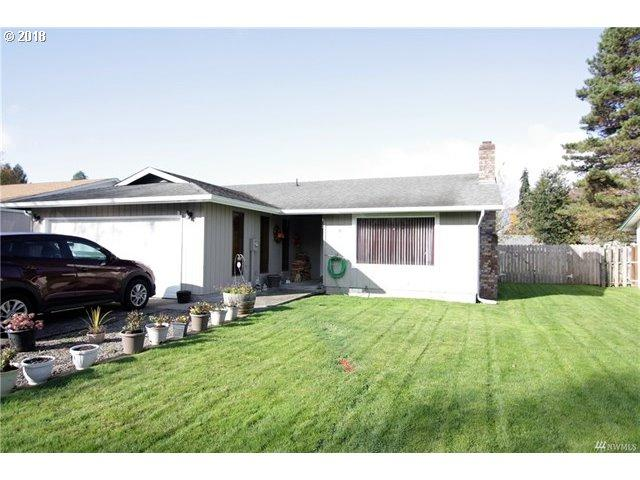 2259 48TH Ave, Longview, WA 98632 (MLS #18205843) :: Hatch Homes Group