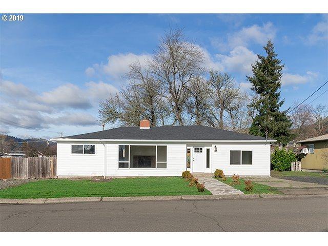 748 NE Church Ave, Roseburg, OR 97470 (MLS #18221373) :: Portland Lifestyle Team