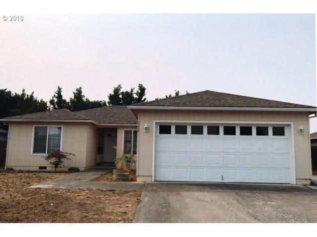3850 Heritage Way, White City, OR 97503 (MLS #18222516) :: Premiere Property Group LLC
