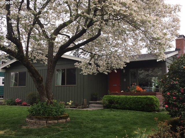 1305 NE 69TH Ave, Portland, OR 97213 (MLS #18224701) :: Harpole Homes Oregon