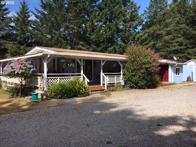 18840 Cornett Rd, Brookings, OR 97415 (MLS #18235566) :: Hatch Homes Group