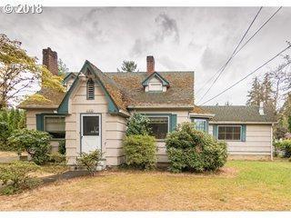 12433 SE Holgate Blvd, Portland, OR 97236 (MLS #18253657) :: Change Realty