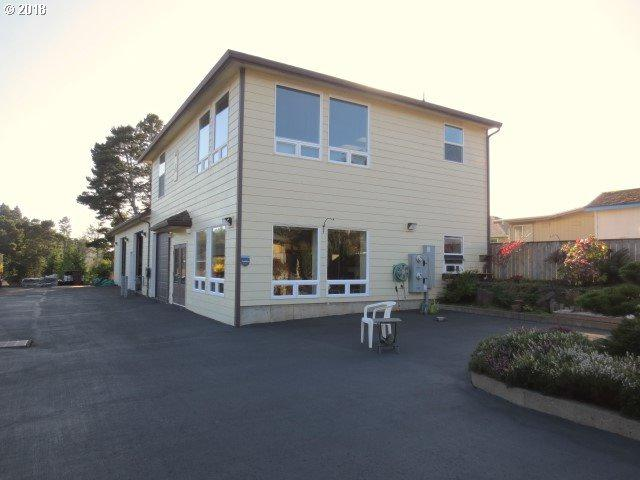 1424 SE 9TH St, Lincoln City, OR 97367 (MLS #18264966) :: Townsend Jarvis Group Real Estate