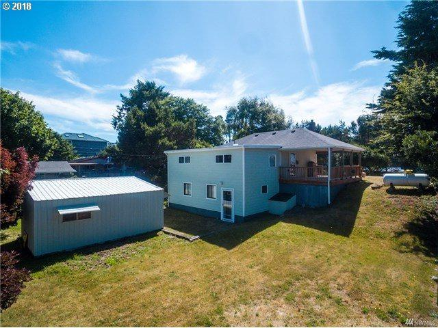 1207 229TH Pl, Ocean Park, WA 98640 (MLS #18287247) :: Harpole Homes Oregon