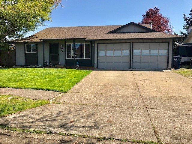 383 38TH Pl, Springfield, OR 97478 (MLS #18299739) :: Harpole Homes Oregon