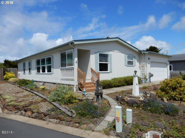 3895 Summit Ridge Cir, Depoe Bay, OR 97341 (MLS #18300600) :: Fox Real Estate Group
