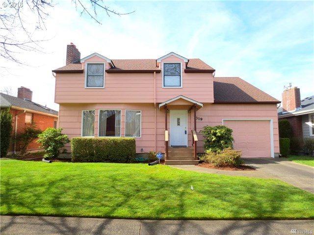 1319 23RD Ave, Longview, WA 98632 (MLS #18309301) :: Hatch Homes Group