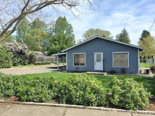 251 NW Plum Ave, Winston, OR 97496 (MLS #18313209) :: Keller Williams Realty Umpqua Valley