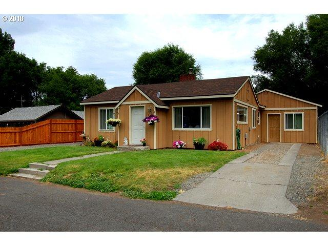 435 SE 6TH St, Prineville, OR 97754 (MLS #18318301) :: Fox Real Estate Group