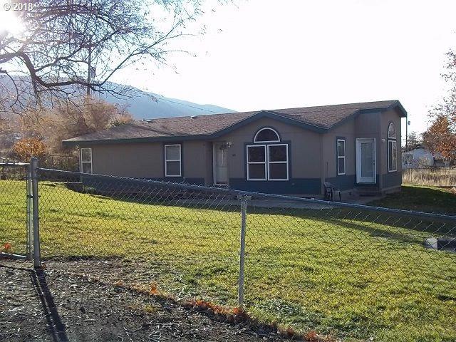 318 Murray St, Rufus, OR 97050 (MLS #18318886) :: R&R Properties of Eugene LLC
