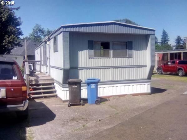 6112 SE Clatsop St, Portland, OR 97206 (MLS #18331169) :: TLK Group Properties