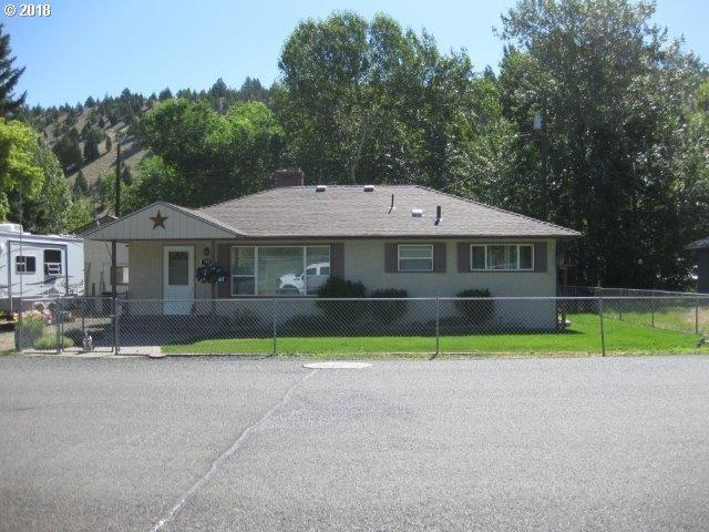 302 N Humbolt St, Canyon City, OR 97820 (MLS #18332041) :: McKillion Real Estate Group