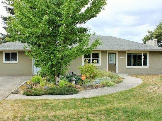 2110 Four Oaks Grange Rd, Eugene, OR 97405 (MLS #18332409) :: Fox Real Estate Group