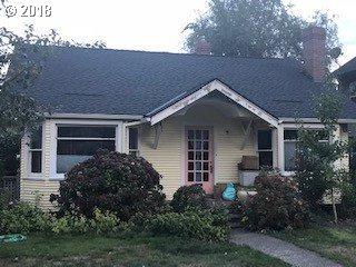 7136 SE 21ST Ave, Portland, OR 97202 (MLS #18332964) :: R&R Properties of Eugene LLC