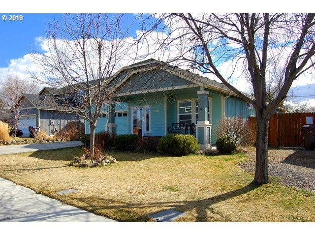 3306 SW Evergreen Ave, Redmond, OR 97756 (MLS #18350494) :: Harpole Homes Oregon
