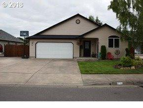 84 Village Dr, Creswell, OR 97426 (MLS #18354965) :: Harpole Homes Oregon