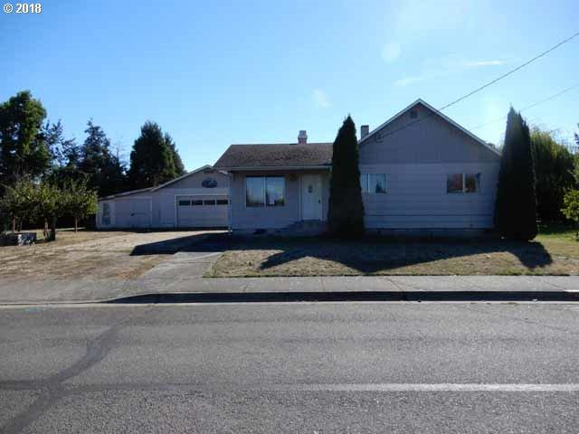 800 Territorial St, Harrisburg, OR 97446 (MLS #18355269) :: The Galand Haas Real Estate Team