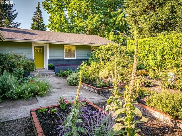 5251 SW Dosch Rd, Portland, OR 97239 (MLS #18361022) :: Hatch Homes Group