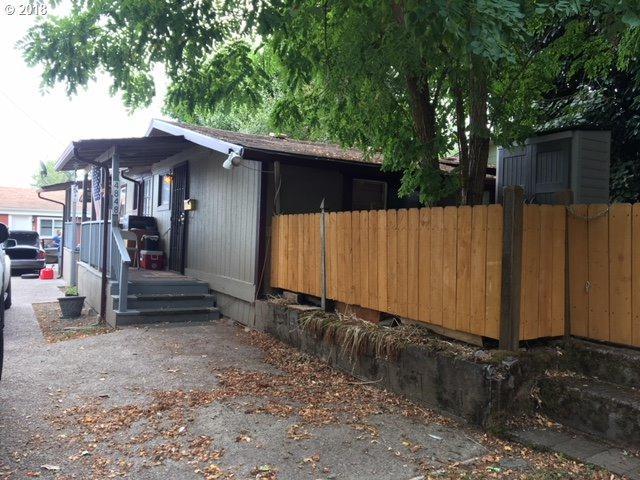4840 NE 99TH Ave, Portland, OR 97220 (MLS #18369203) :: McKillion Real Estate Group