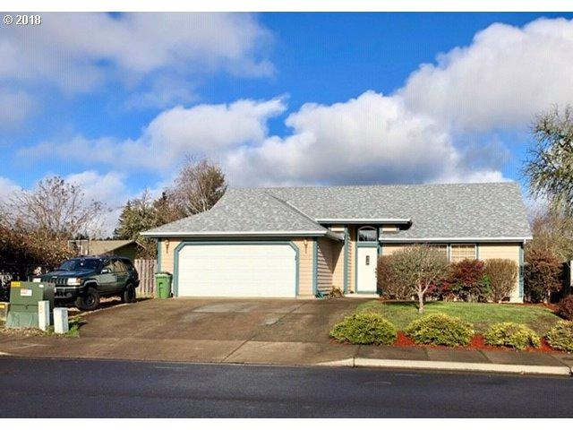 1650 Daugherty Ave, Cottage Grove, OR 97424 (MLS #18372023) :: Harpole Homes Oregon