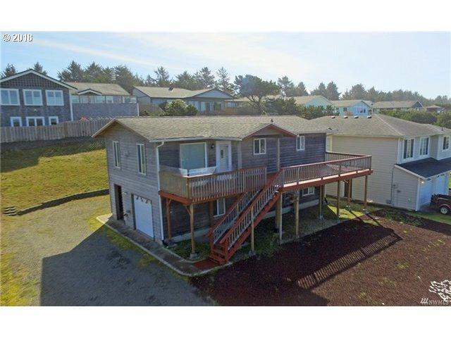 33110 I St, Ocean Park, WA 98640 (MLS #18372429) :: Hatch Homes Group