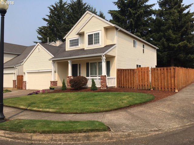 14955 SE Paddington St, Clackamas, OR 97015 (MLS #18373604) :: Matin Real Estate