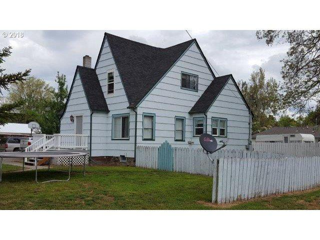1011 N College St, Union, OR 97883 (MLS #18376631) :: The Sadle Home Selling Team
