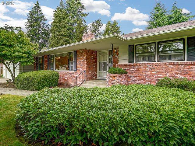 759 NE Donelson Rd, Hillsboro, OR 97124 (MLS #18380862) :: McKillion Real Estate Group