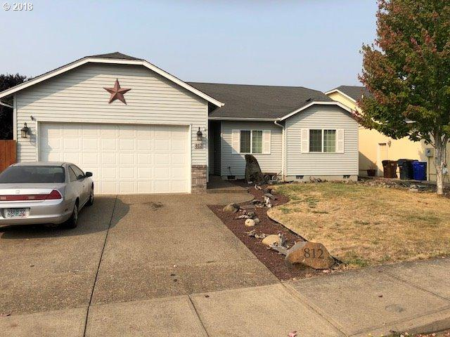 812 Meadow Dr, Molalla, OR 97038 (MLS #18391582) :: Portland Lifestyle Team