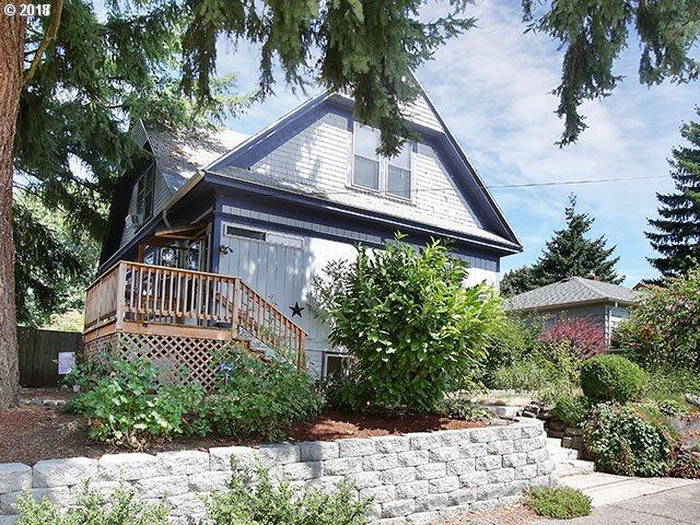 4111 SE Ellis St, Portland, OR 97202 (MLS #18398586) :: The Sadle Home Selling Team