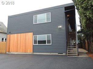 5516 NE Hoyt St, Portland, OR 97213 (MLS #18400811) :: Fox Real Estate Group