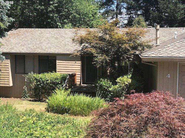 4 Gershwin Ct, Lake Oswego, OR 97035 (MLS #18409726) :: Portland Lifestyle Team
