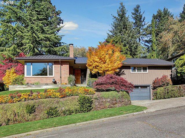 3919 SW Idaho Ter, Portland, OR 97221 (MLS #18410252) :: Hatch Homes Group