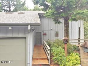 485 Lookout Dr, Lincoln City, OR 97367 (MLS #18421299) :: McKillion Real Estate Group