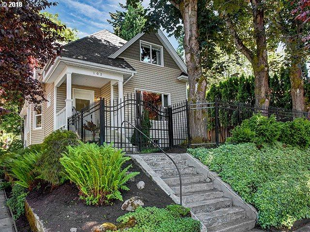 102 SE 30TH Ave, Portland, OR 97214 (MLS #18431146) :: Hatch Homes Group
