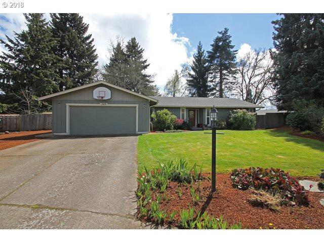 2525 Chuckanut St, Eugene, OR 97408 (MLS #18441011) :: Song Real Estate