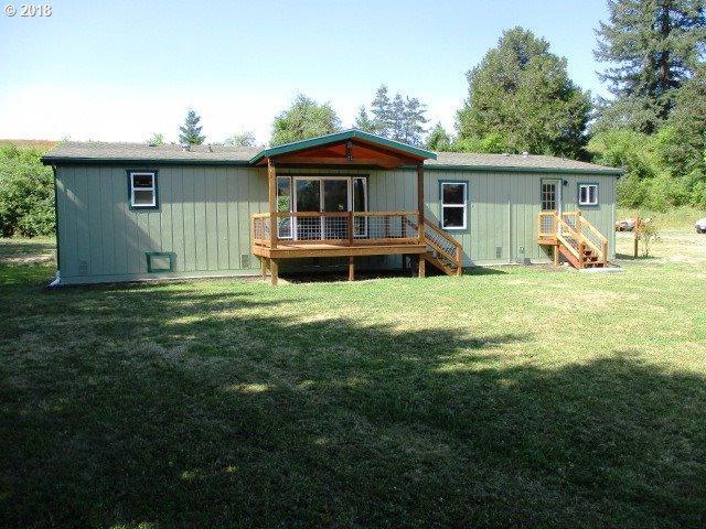 225 Frank St, Glide, OR 97443 (MLS #18447954) :: Hatch Homes Group