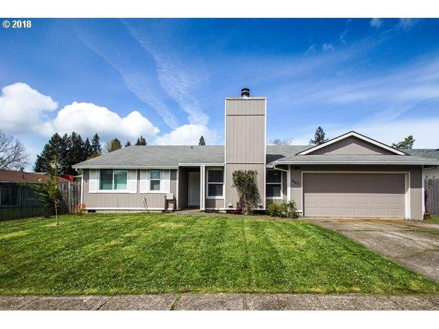 605 E Foothills Dr, Newberg, OR 97132 (MLS #18457001) :: Fox Real Estate Group