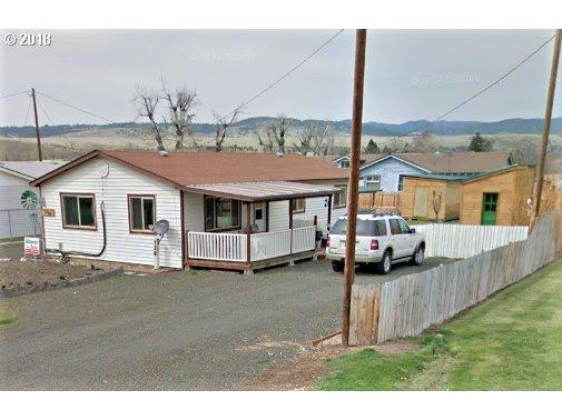 128 11TH St, Prairie City, OR 97869 (MLS #18458957) :: R&R Properties of Eugene LLC
