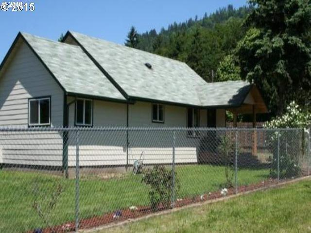 263 E 2ND St, Lowell, OR 97452 (MLS #18459206) :: Song Real Estate