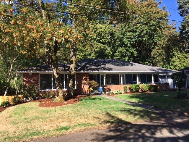 3225 SW 100TH Ave, Portland, OR 97225 (MLS #18468699) :: Fox Real Estate Group